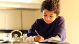 Hijos estudiando