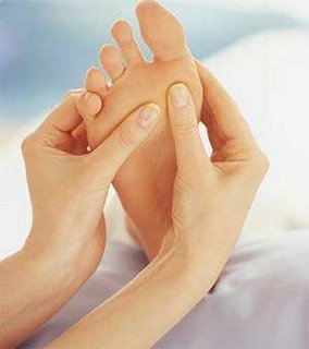 dar masajes en los pies