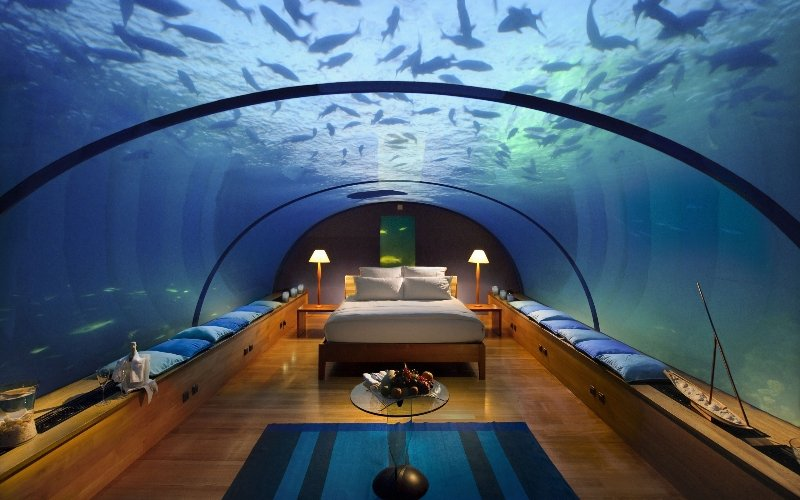 dubai underwater hotel room